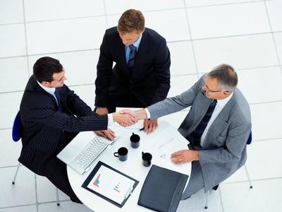 Las Cámaras animan a los empresarios a utilizar la mediación para negociar el alquiler de locales