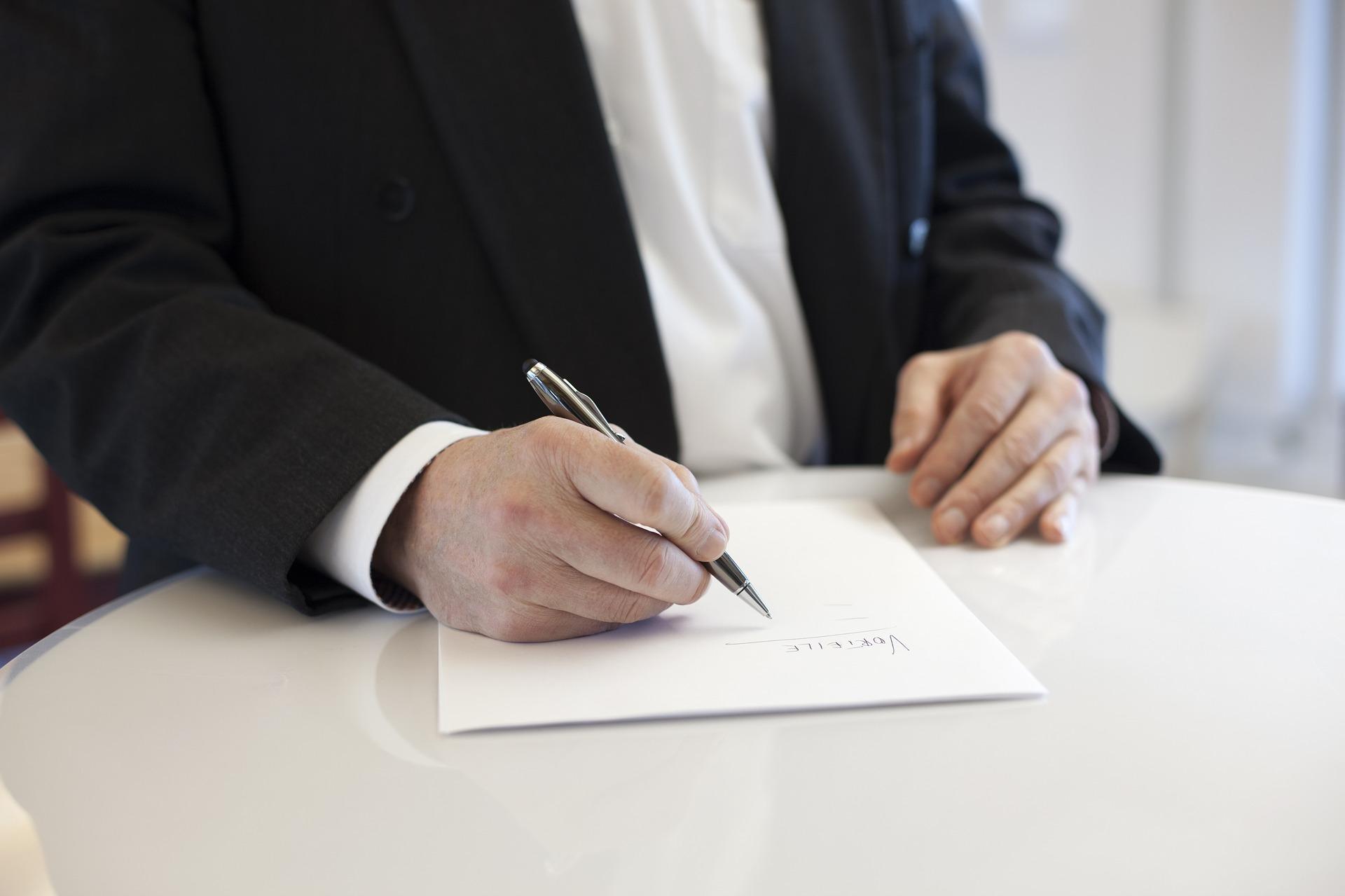 Análisis grafológico de firmas manuscritas