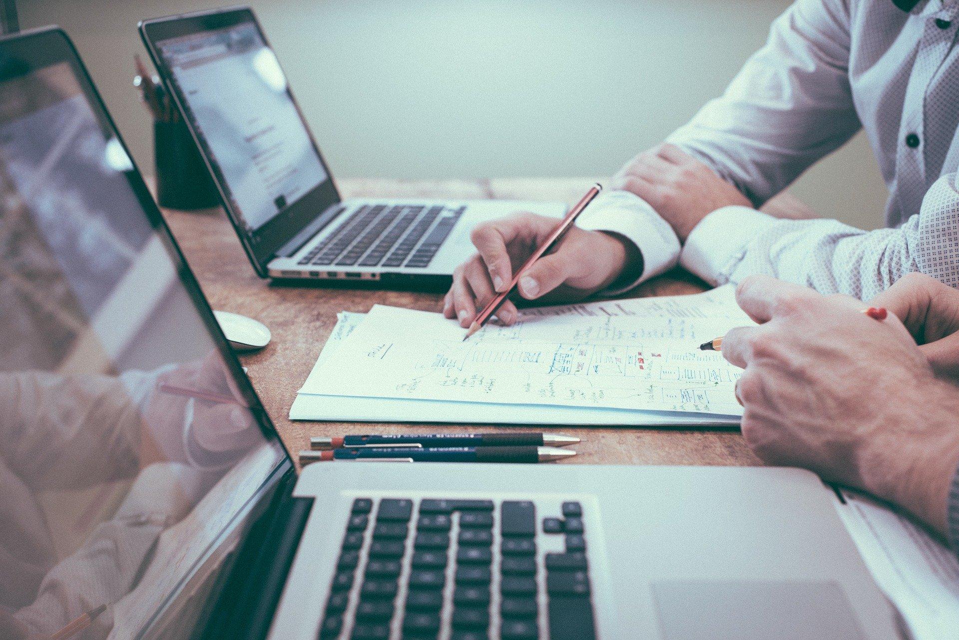 Herramientas de comunicación digital: emails eficaces y persuasivos