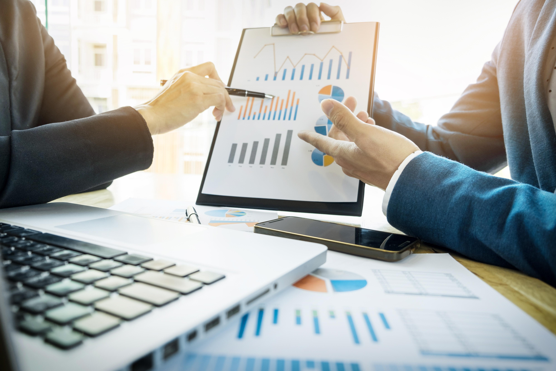 La confianza empresarial se sitúa en negativo, pero mira con optimismo este tercer trimestre