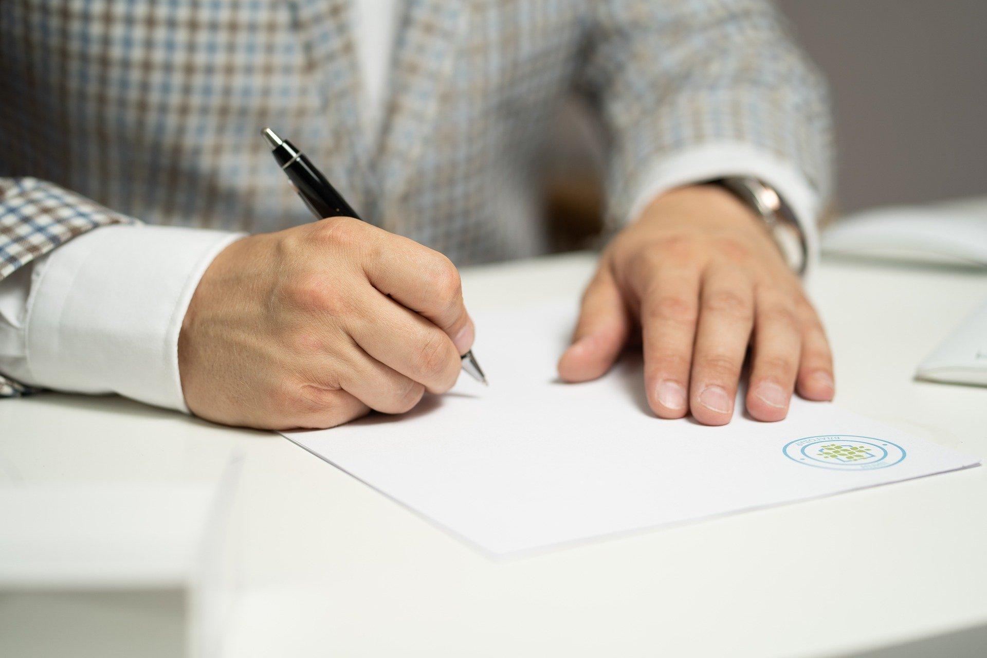Análisis de firmas y rúbricas