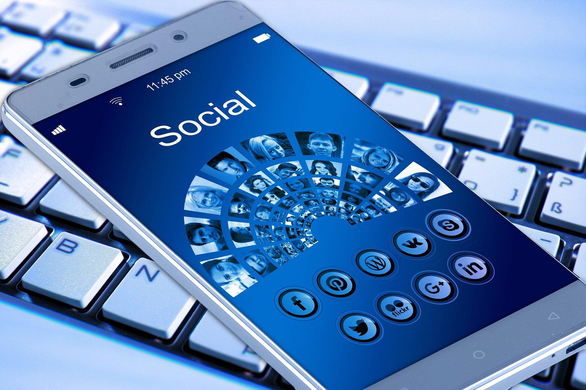 Marketing en redes sociales. Herramientas, técnicas y estrategias para atraer clientes a tu negocio online