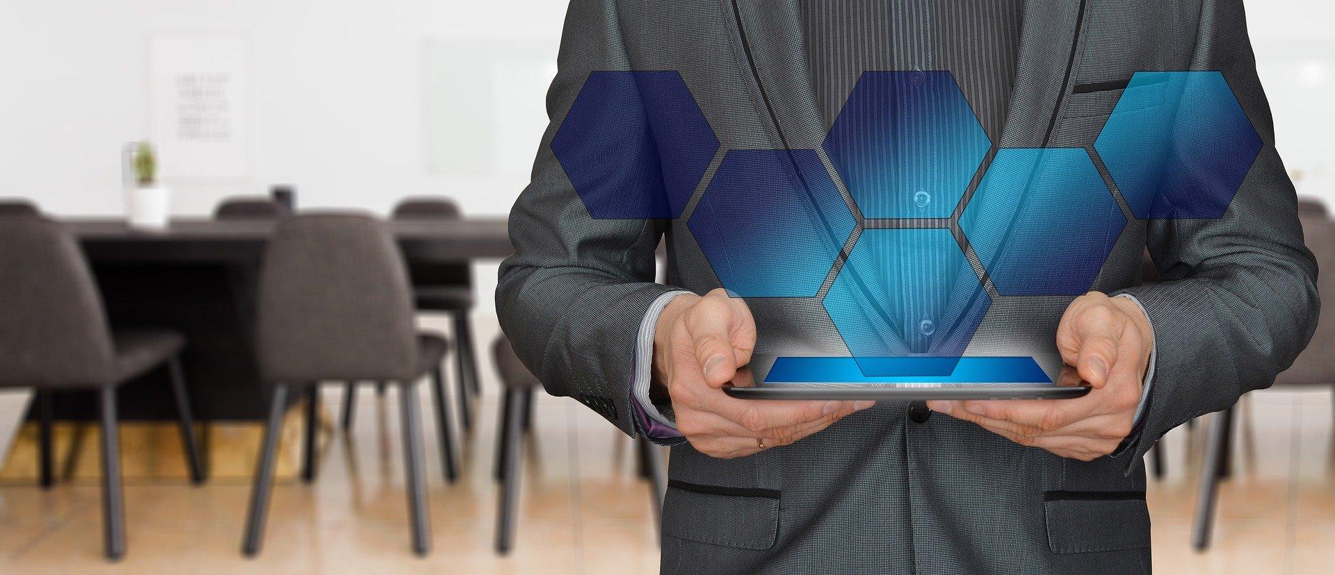 Cambios tecnológicos en las relaciones laborales: Derechos digitales y trabajo a distancia